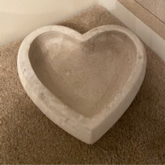 Stone heart tray white washed 25cm