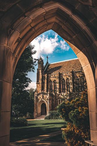 church_of_the_saviour_door_crop-1.jpg