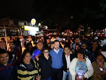 FAMILIAS DE VARIAS COLONIAS DE LA CIUDAD MEJORAN SU SEGURIDAD Y MOVILIDAD CON NUEVAS LUMINARIAS