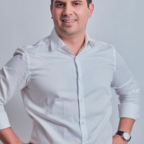 Talento, juventud y experiencia para aportar una dimensión estratégica a cualquier campaña: Juan Man