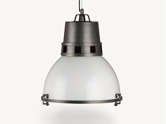 light1-u8901-fr.jpg