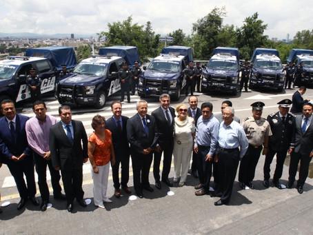 TONY GALI Y LUIS BANCK ENTREGAN 46 NUEVAS PATRULLAS Y ESTÍMULOS A POLICÍAS