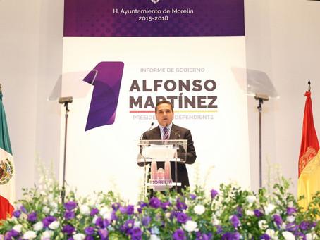 Asiste Silvano Aureoles a Primer Informe del Gobierno Municipal de Morelia
