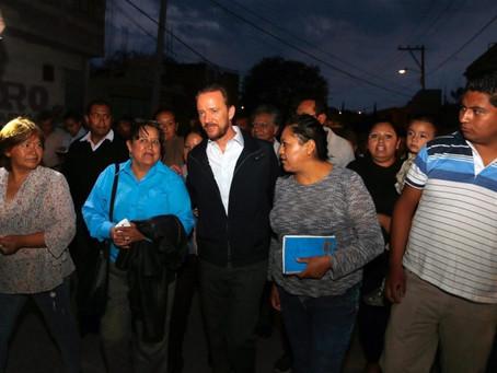 LUIS BANCK Y VECINOS DE XOCHIMEHUACAN TRABAJAN EN ACCIONES DE SEGURIDAD, MOVILIDAD Y SERVICIOS PÚBLI