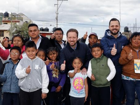 LUIS BANCK ENTREGÓ A VECINOS DE SAN SEBASTIÁN DE APARICIO DOS VIALIDADES PAVIMENTADAS