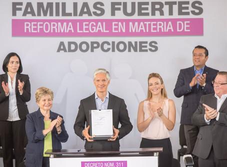 FIRMA GOBERNADOR LEY DE FAMILIAS FUERTES, REFORMA LEGAL QUE AGILIZA ADOPCIONES EN EL EDOMÉX