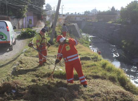 Se intensifica la limpiezapreventiva de ríos y barrancas en el Municipio de Puebla