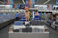 Dobby P.O.S Marketing para vender DVD's.