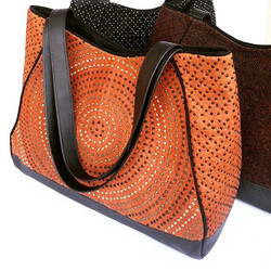 #Handcrafted #BarkCloth #Mutuba #treebark #Handbag. Made in #Uganda #Africa by a #Womencollective.jp