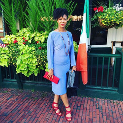 We love this #photo of one of our customers rocking the #JuteClutch handmade in #Kenya.jpg