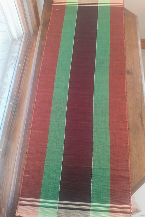 Set of 6 Placemats & 1 Table Runner