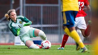 sofia hjern goalie pic.webp