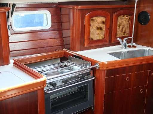 Beneteau Oceanis 381 clipper~nfa0849_5996