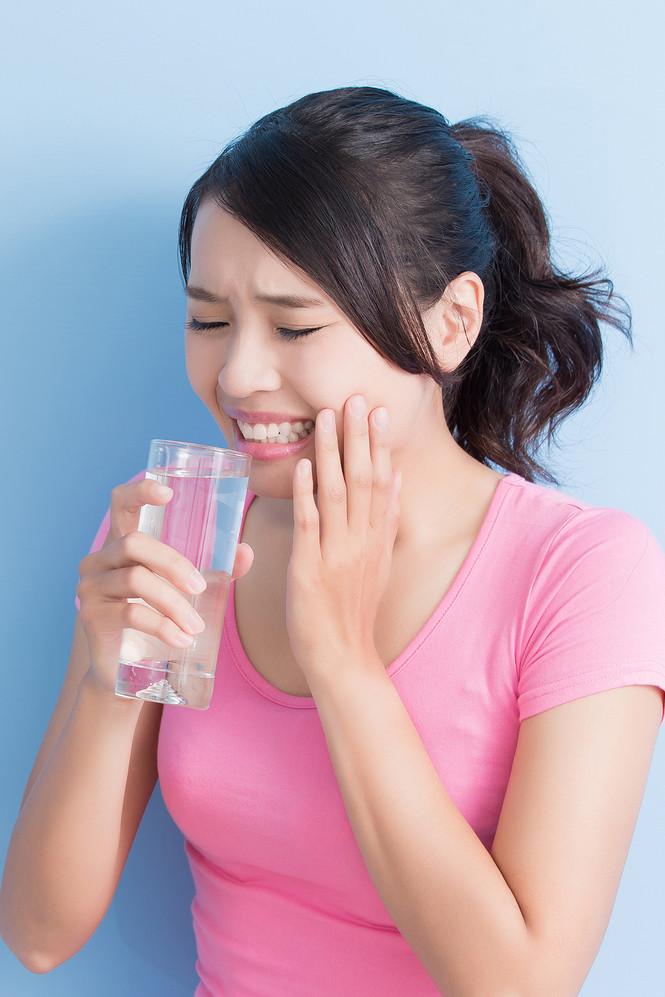 Top Dentist in Brampton, Sensitive Teeth, Tooth Pain, Brampton Dentists, Brampton Dental offices,