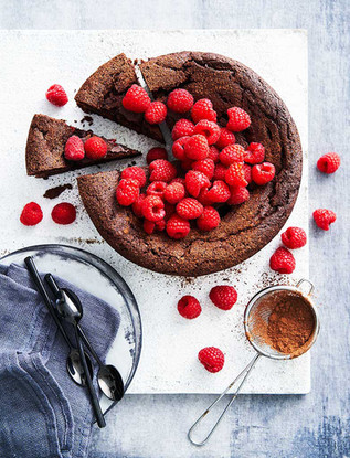 3.web-Flourless-Chocolate-Cake-020.jpg