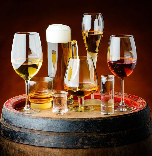 drinks-in-glasses-PPKAZP7.jpg
