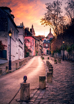 alone in Montmartre.