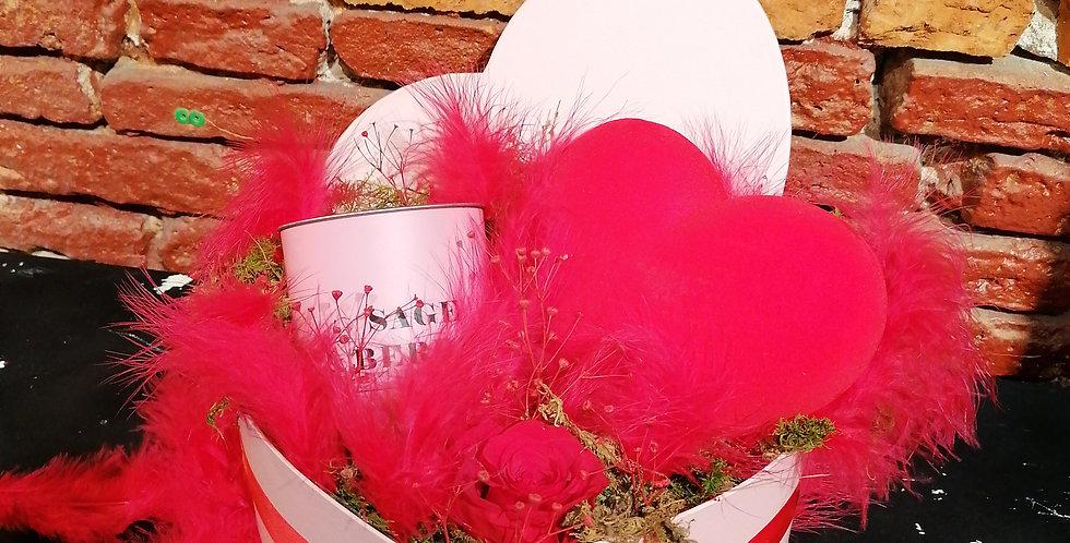 """St Valentin"""" boîte à chapeau cœur """""""