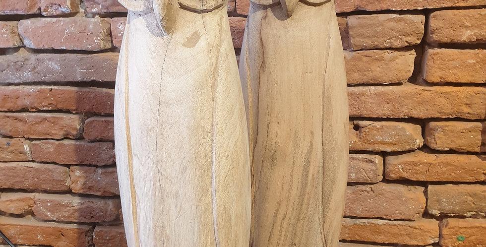Hiboux en bois sculpté