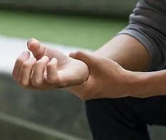 man-suffering-trigger-finger-arthritis-2