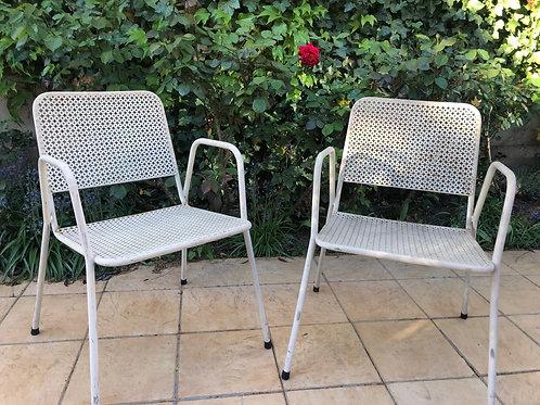 Lot de 2 chaises style Mategot
