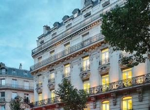 Working_rolls_centre_d_affaires_Paris_75