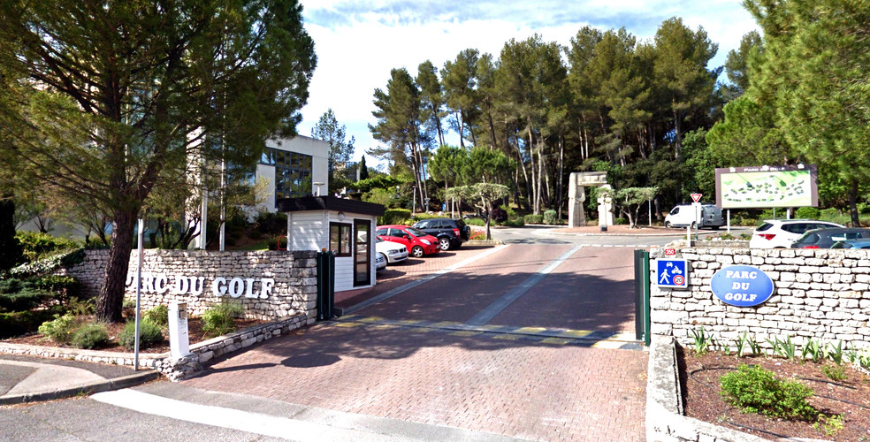 The Golf Park, 5 minutes from the TGV station