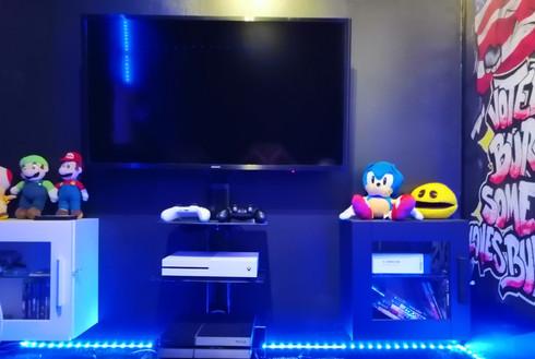PS4 et Xbox one avec un large choix de jeux, micro the voice, NBA, FIFA