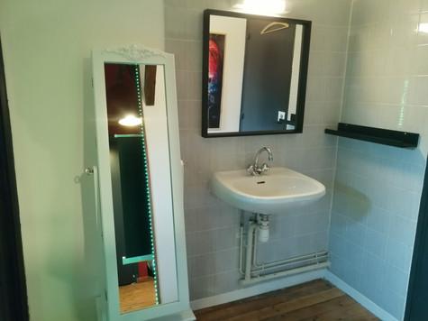 Cabinet de toilette 2ème étage attenant à la chambre de 20m2
