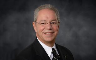 الدكتور إريك تريداس يحاضر في مركز تقويم وتعليم الطفل