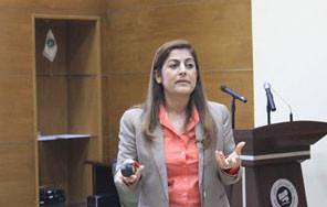 الخبيرة الأردنية الدكتورة ميادة الناطور تحاضر في مركز تقويم وتعليم الطفل