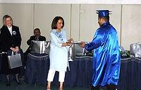 السيدة فطومة الزبن امين صندوق وعضو مجلس ادارة المركز.jpg