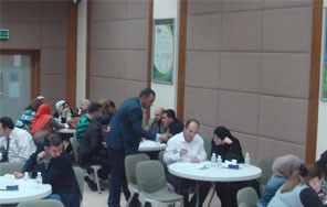 المركز يعقدمحاضرة لأولياء أمور طلاب البرنامج الصباحي