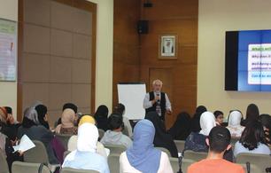 محاضرة عامة في مركز تقويم وتعليم الطفل