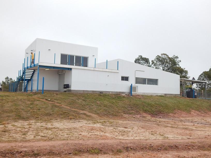 Construcciones en isodek e isopanel para paredes