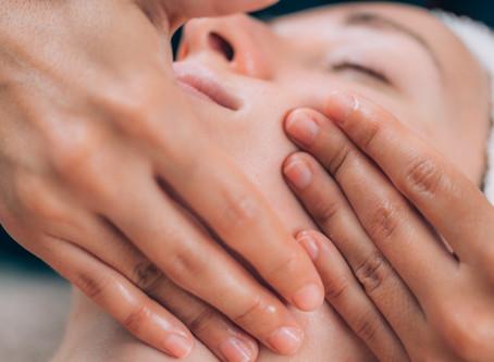 Face Fitness en Vit&Drip Center, Marbella: ¿Qué es Face Fitness y cómo beneficia su piel?