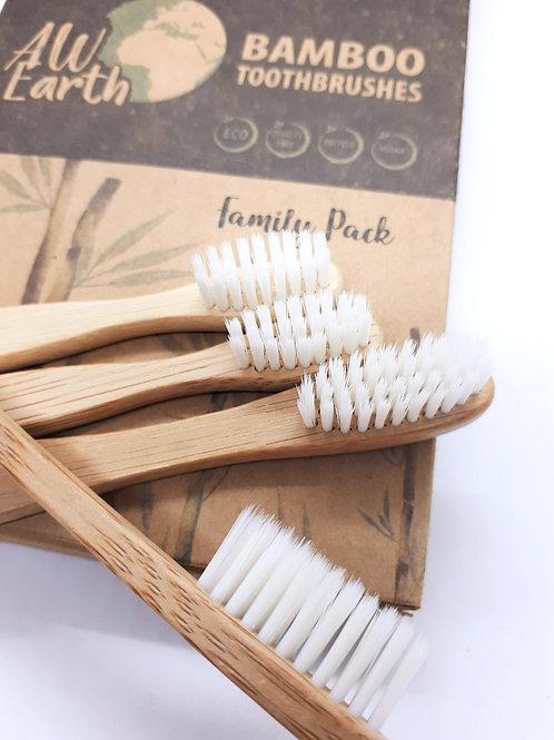 Pack famille de 4 brosses à dents