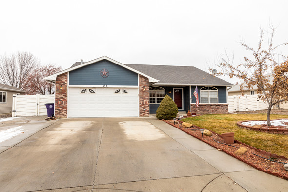 JUST LISTED - 557 Shoshone St