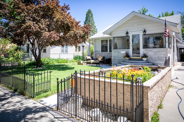 JUST LISTED! Adorable Downtown Bungalow!