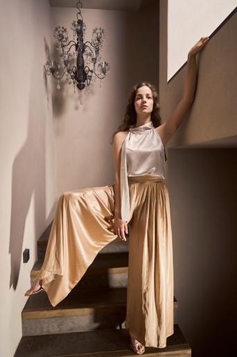Fashion_Metallic_trousers_Goldenlight02_