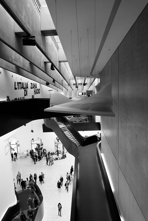 Athen_Museum_Leandra Garcia 4.jpg