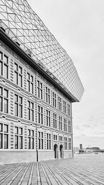 Antwerpen, Zaha Hadid_Leandra Garcia 3.j