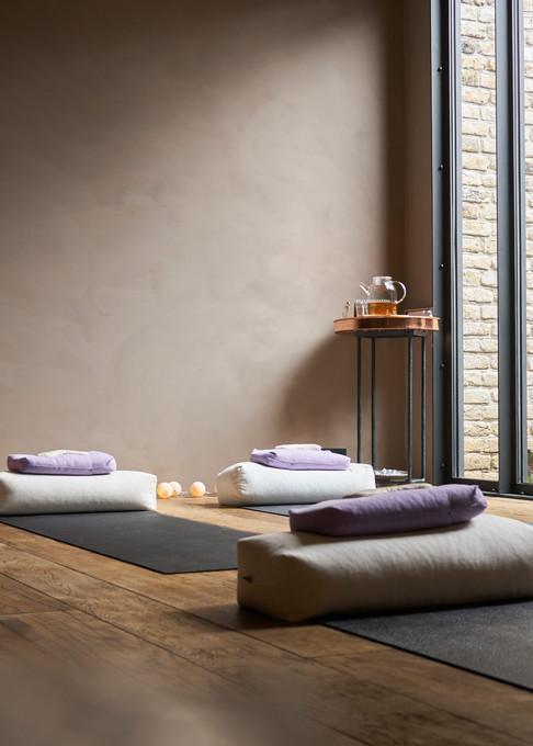 Interior_Room_Yoga01_LeandraGarcia.jpg