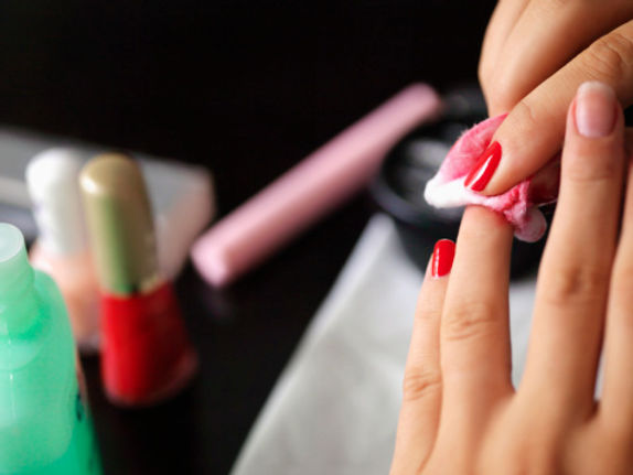nail-polish-remover[1].jpg