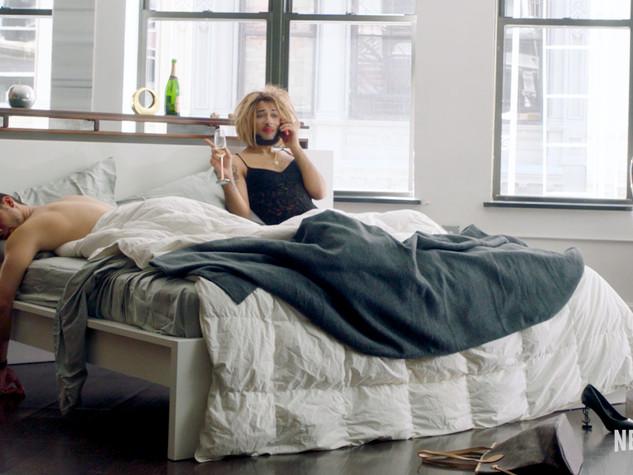 Joanne-the-Scammer-Netflix-promo-Gwenyth