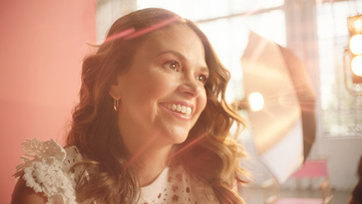 Sutton-Foster-Loreal-cinematographer-Mar