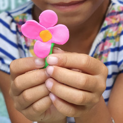 #Connecting to Lift Art Therapy in Vietnam