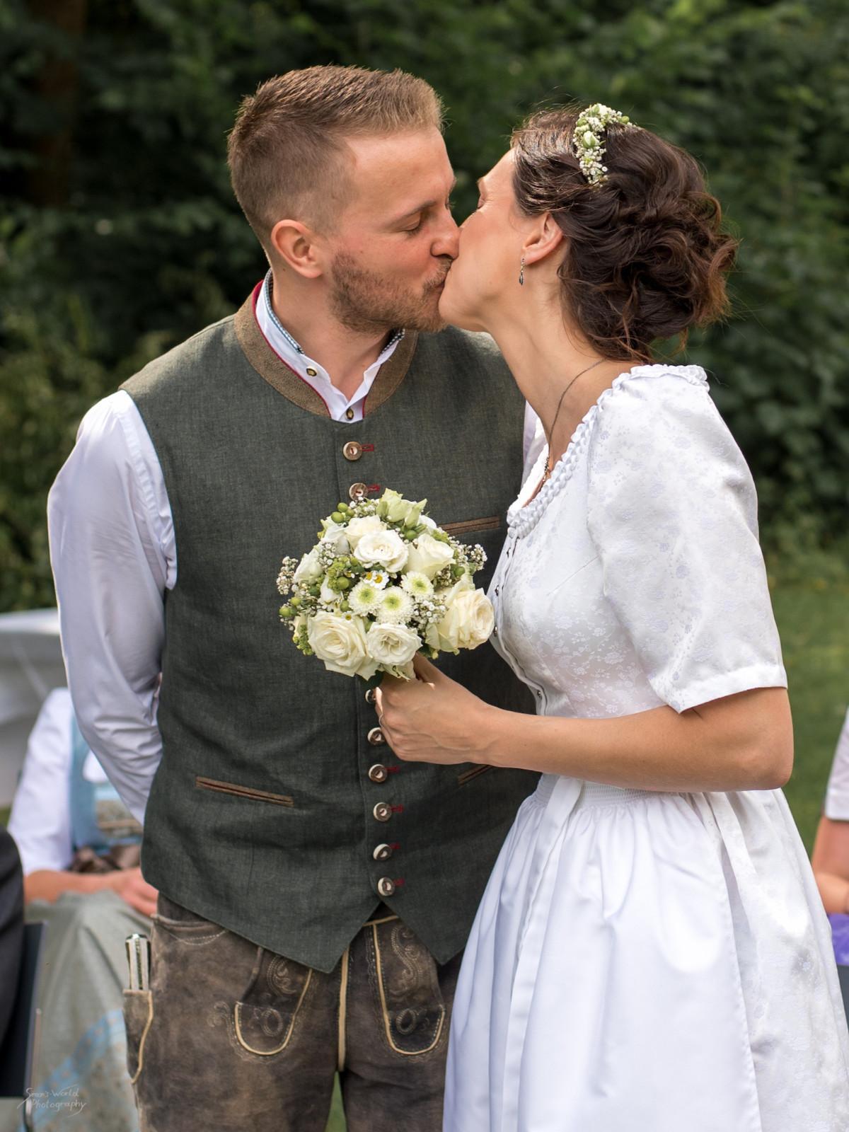 Hochzeit Julia und Daniel-Bearb..jpg