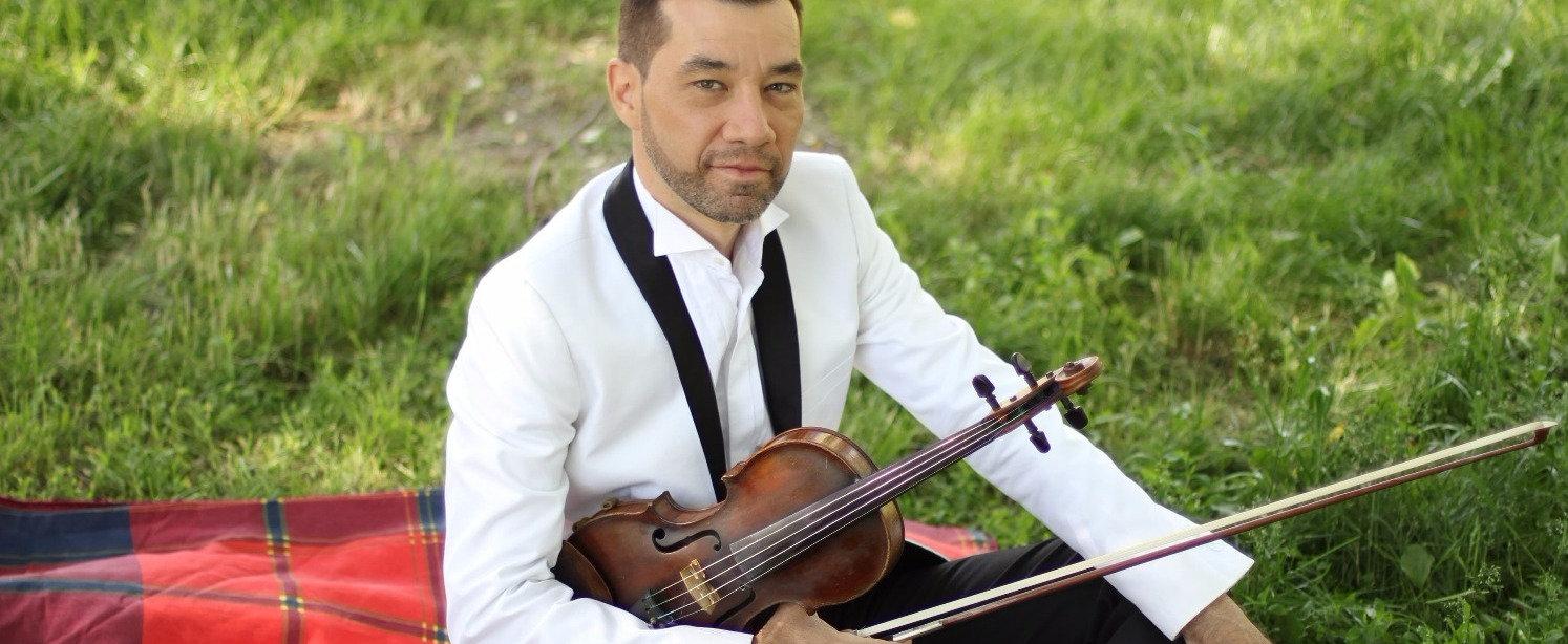 Скрипач Борис Харченко