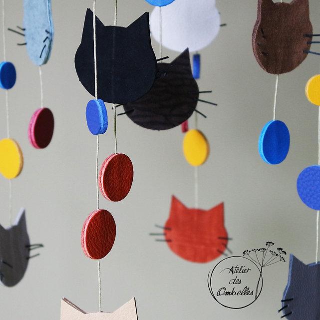 mobile_chat_bleu_atelier-des-ombelles_2.